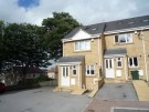 Town House to rent in Platt Court, Windhill...