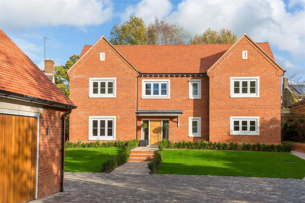 6 bedroom detached house for sale in harberton mead for Six bedroom house for sale