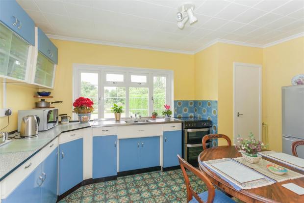 Kitchen (First Floor