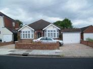3 bedroom Bungalow in Bellevue Road, Hornchurch