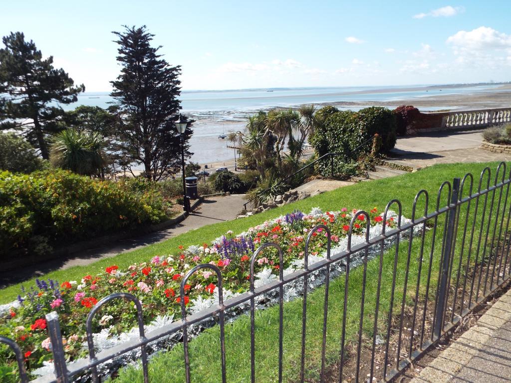 Cliff Gardens