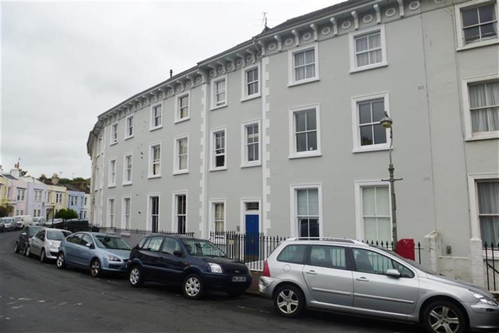 1 bedroom apartment to rent in park crescent brighton bn2 for Room to rent brighton