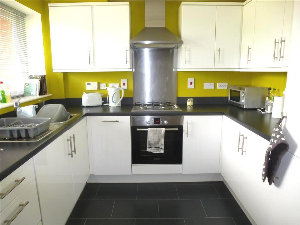 2 bedroom house to rent in papworth close newport pagnell for 2 kitchen house for rent
