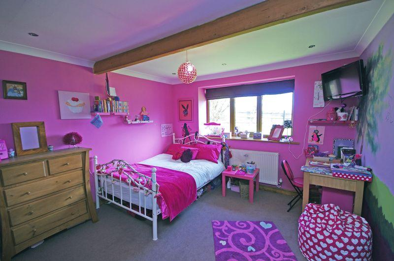 Lilac purple bedroom design ideas photos inspiration for Bedroom ideas lilac
