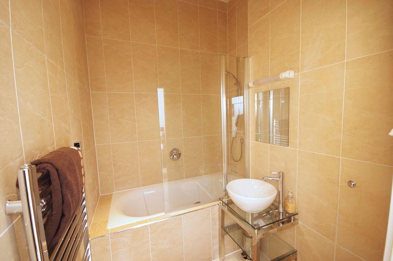 Bedroom 2 En-s...