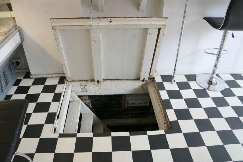 Trap Door to B...