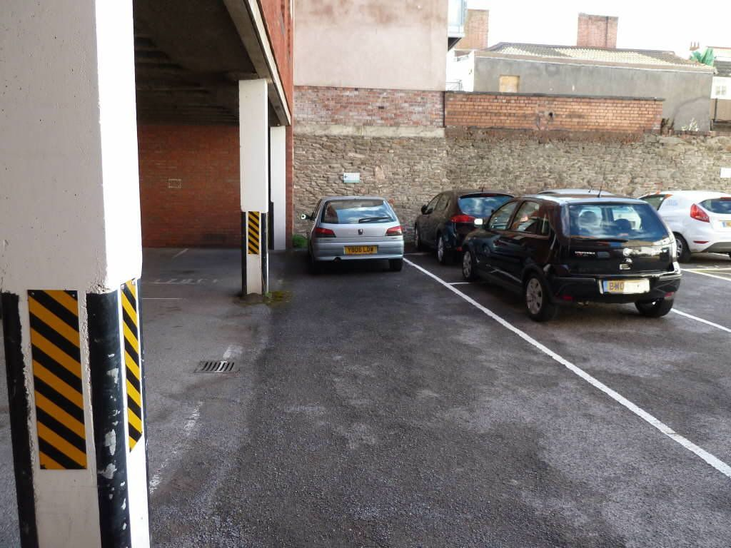 Garage for sale in tandem parking spaces 12 brunswick for 4 car tandem garage