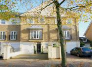 4 bedroom home in Wyatt Drive Barnes SW13