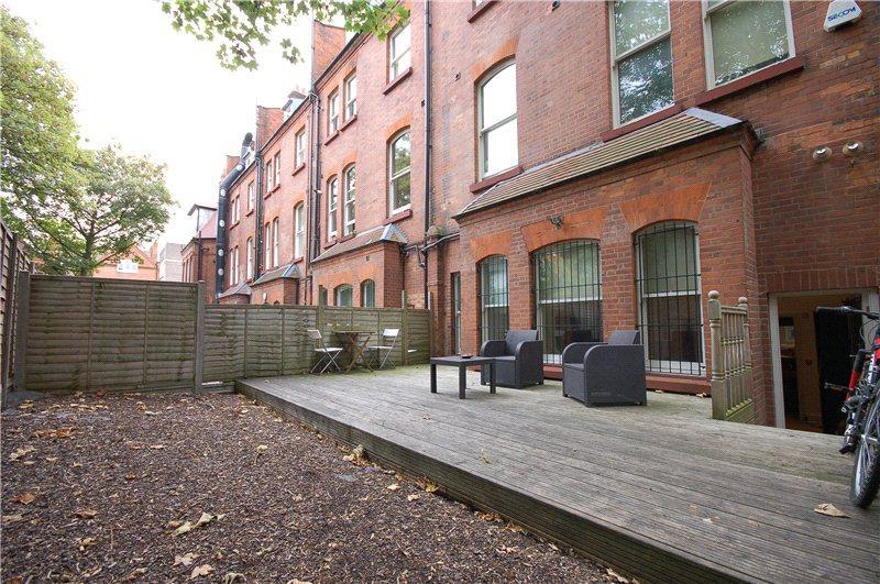 3 Bedroom Flat To Rent In Fitzjohns Esplanade 140