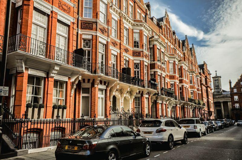 3 Bedroom Flat For Sale In Green Street Mayfair London