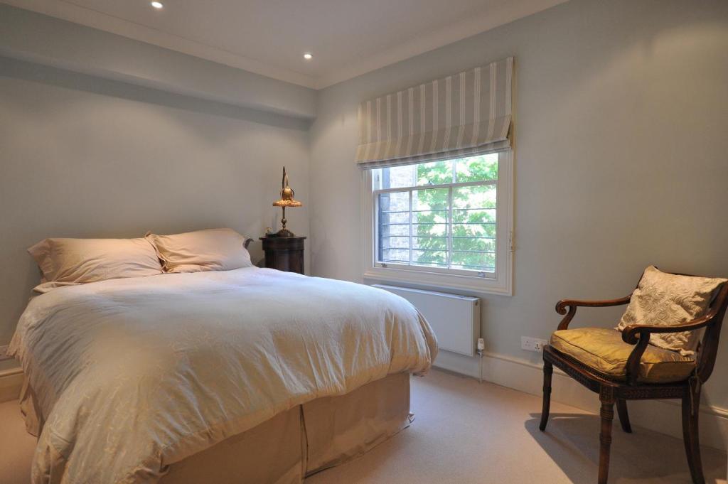 Bed 2 F