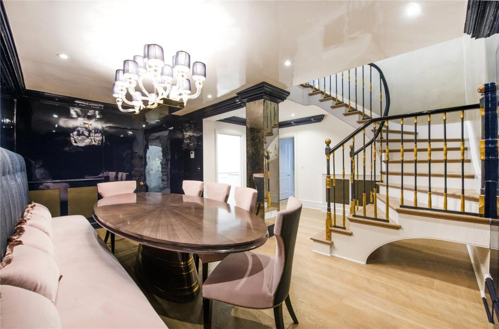 Dining Area/Stairs