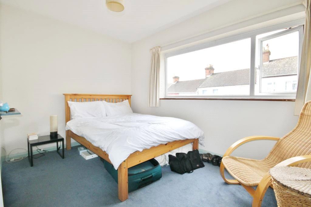 1 bedroom apartment to rent in Catherine Court Queens