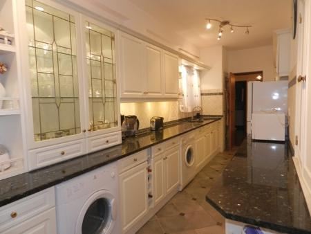 Image 7, 4 Bedroomed Apartment : GA252