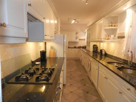 Image 4, 4 Bedroomed Apartment : GA252