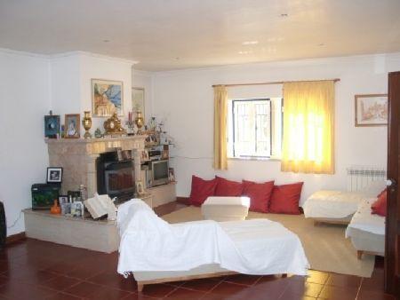 Image 2, 6 Bedroomed Villa : AV515