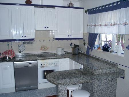 Image 14, 6 Bedroomed Villa : AV515