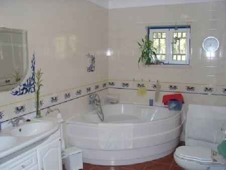 Image 18, 6 Bedroomed Villa : AV515