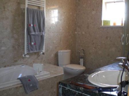Image 6, 3 Bedroomed Villa : AV678