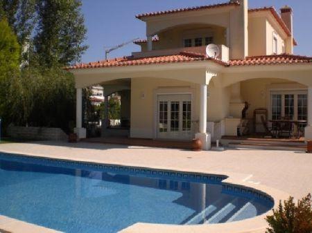 Image 1, 3 Bedroomed Villa : AV678