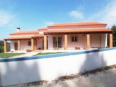 Image 2, 3 Bedroomed Villa : AV672