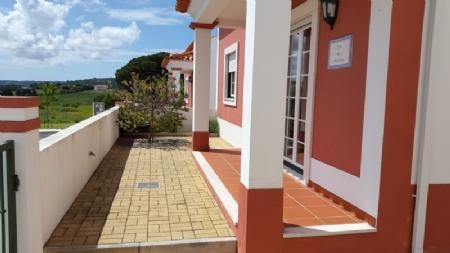Image 2, 3 Bedroomed Villa : AV1018