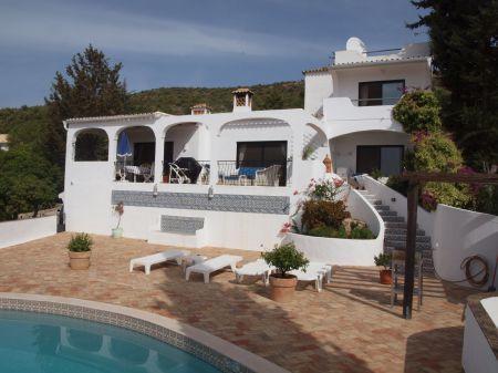 Image 1, 3 Bedroomed Villa : LV3838