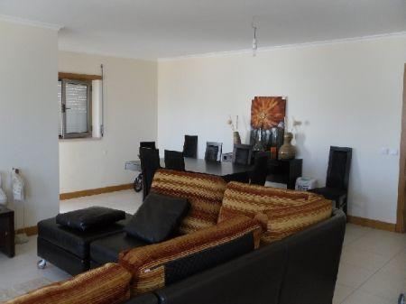 Image 3, 3 Bedroomed Apartment : AA126