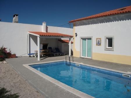 Image 1, 4 Bedroomed Villa : AV871