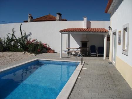 Image 2, 4 Bedroomed Villa : AV871