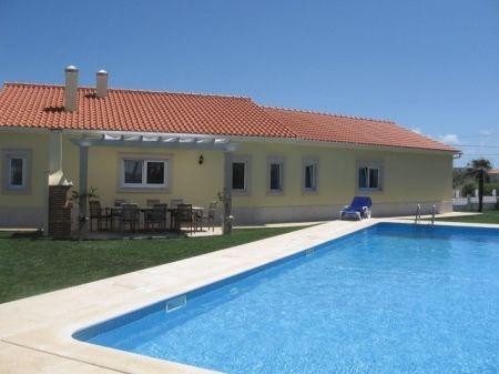 Image 1, 5 Bedroomed Villa : AV870