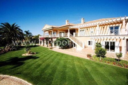 Image 1, 6 Bedroomed Villa : GV208