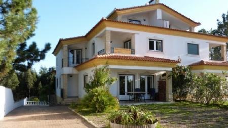 Image 1, 3 Bedroomed Villa : AV1019