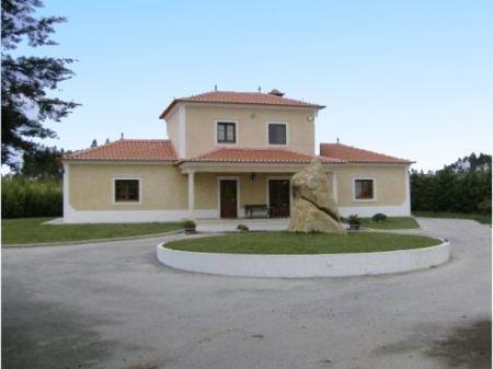 Image 2, 3 Bedroomed Villa : AV1031