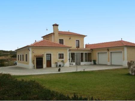 Image 7, 3 Bedroomed Villa : AV1031