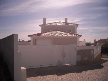 Image 1, 3 Bedroomed Villa : AV987
