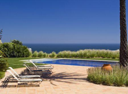 Image 1, 6 Bedroomed Villa : GV056