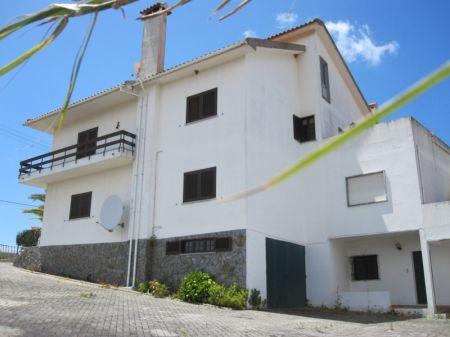 Image 1, 6 Bedroomed Villa : AV1068
