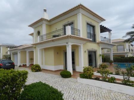 Image 1, 3 Bedroomed Villa : GV294