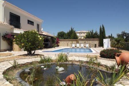 Image 1, 4 Bedroomed Villa : JV1547