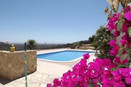 Image 2, 4 Bedroomed Villa : JV1547