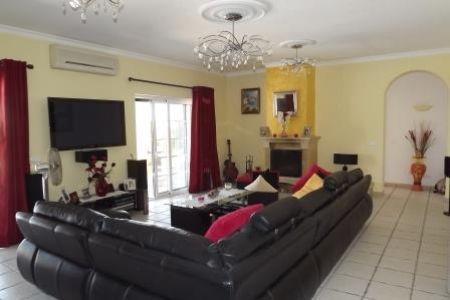 Image 4, 4 Bedroomed Villa : JV1547