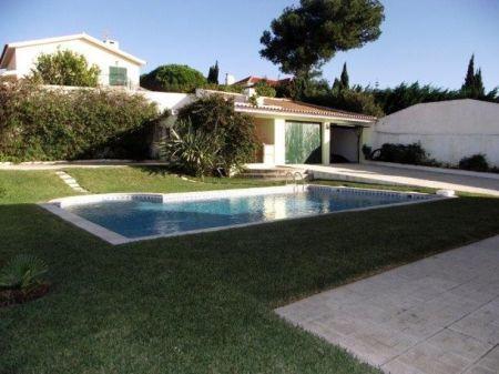 Image 2, 4 Bedroomed Villa : AV1132