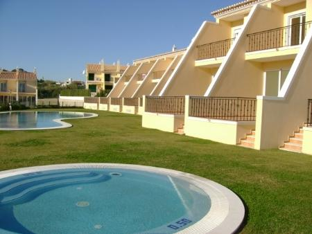 Image 1, 2 Bedroomed Townhouse : CV1345
