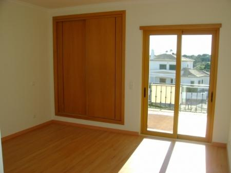 Image 3, 2 Bedroomed Townhouse : CV1345