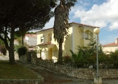 Image 2, 4 Bedroomed Villa : AV1136