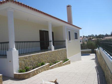 Image 16, 3 Bedroomed Villa : AV1167