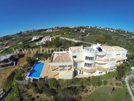 Image 1, 4 Bedroomed Villa : GV309