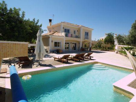 Image 1, 3 Bedroomed Villa : DV5407