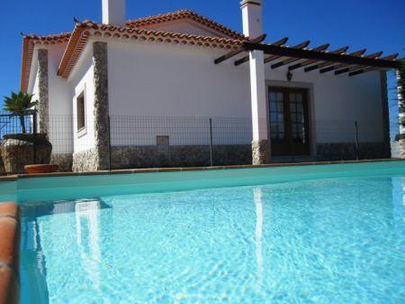 Image 2, 4 Bedroomed Villa : AV1218